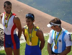 Campeão Sul-Americano, Ailson Eráclito disputa semifinal no Single Skiff Peso Leve