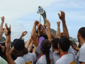 Alvinegros comemoram título da 2ª Regata do Campeonato Estadual