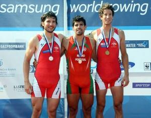 Pedro Fraga, ao centro: ouro no Single Skiff (Foto: ©Detlev Seyb/MyRowingPhoto.com)