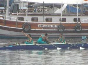 Guarnição mista baiana comemora vitória no Four Skiff Feminino Sênior (Foto: FCRB/Divulgação)