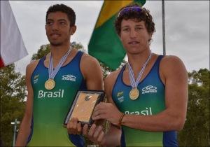 Só Uncas e David venceram os chilenos no Júnior (Foto: Federação Uruguaia de Remo)
