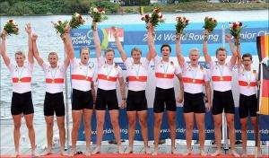 Alemães comemoram vitória no Oito Com masculino (Foto Detlev Seyb/FISA)