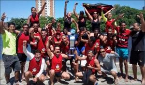 Rubro-negros comemoram título do Sport em Pernambuco (Foto: Sport/Facebook)