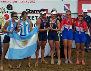 Nayara e Gabriela comemoram o título Sul-Americano (Foto: CBR/Divulgação)