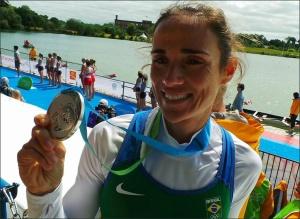 Fabiana: 2º prata no Single Skiff Peso-Leve (Foto: reprodução Facebook)