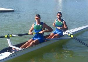 Victor e Vinícius: 4º na semifinal do Dois Sem (Foto: CBR/Divulgação)