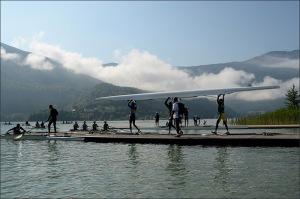 Mundial volta ao lago Aiguebelette, na França (Foto: FISA)