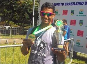 Ailson Eráclito: campeão no Single Skiff (Foto: Eliane Geral/Facebook)