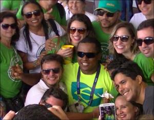 Renê Pereira recebe o carinho da torcida (Foto: Remo em Voga)